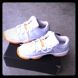 Air Jordan 11 Retro Low Y5